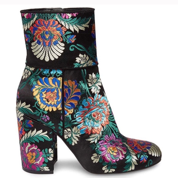3163892b5bb NEW Steve Madden floral brocade Goldie block boot